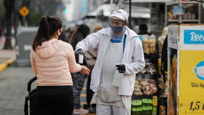 Coronavirus en Argentina: confirmaron 14 muertes y 562 contagios, la cifra más baja del año